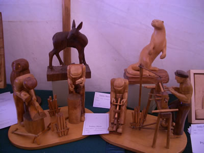 gallery/Exhibitions/Emley%202005/Emley_Show_2005_004aa.jpg