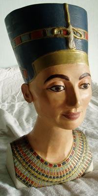 gallery/Members_Carvings/David-Hey/Nefertiti_bust_carved_plaster.jpg