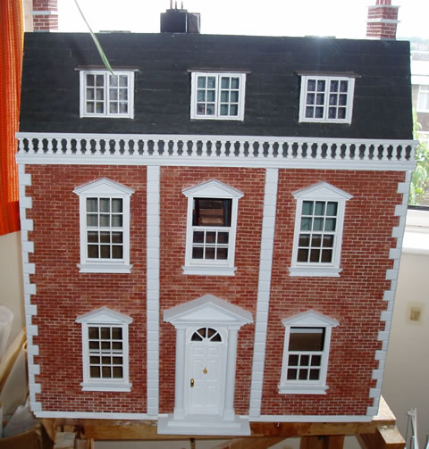 gallery/Members_Carvings/David-Hey/georgian_dollshouse.jpg