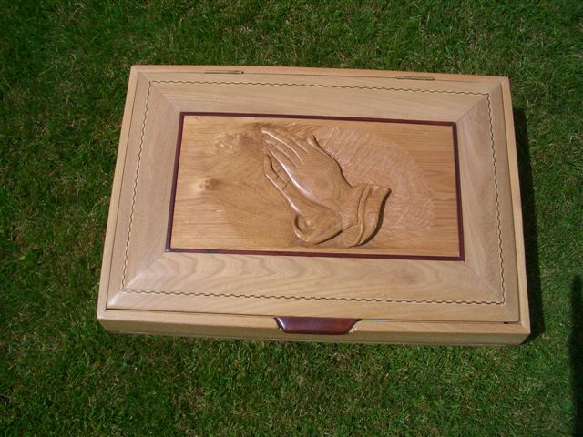 gallery/Members_Carvings/John%20Murphy/12_Box_Top.jpg