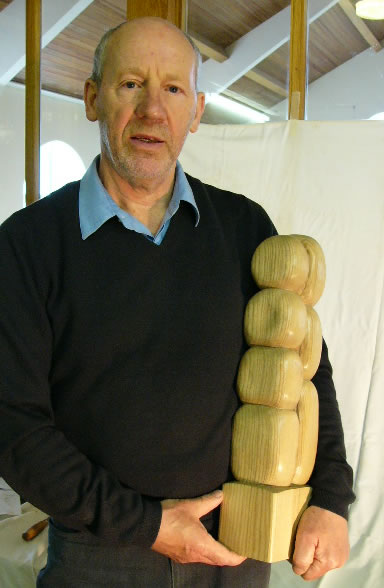 gallery/Members_Carvings/John_Farrar/00P1020956johnfarraraa.jpg